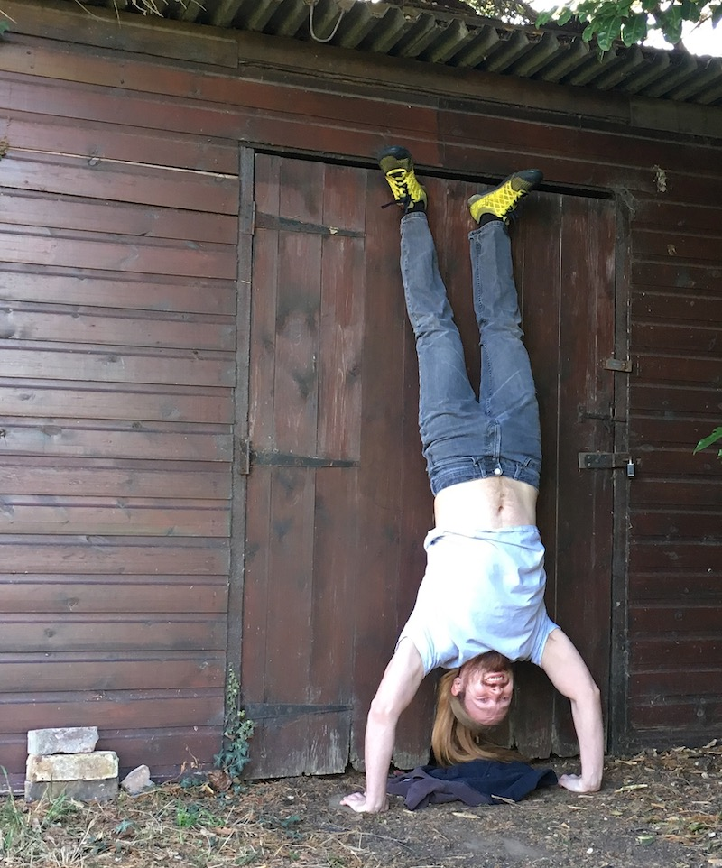 how to do handstand pushups part 3